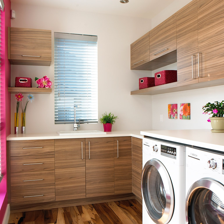 Cuisines Beauregard | Contemporary style laundry room in melamine